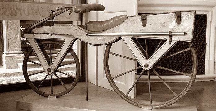 वाॅन ड्रैस और साइकिल का आविष्कार